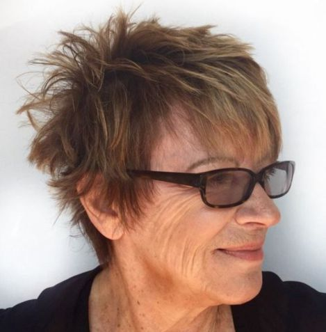 trendy two toned hairstyle that look best on older women