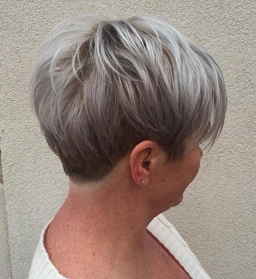 two toned choppy haircut that makes you not boring