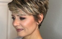 45 Wedge Haircuts for Women Over 50 for Those into Simple and Classic Appearance 3cb7a0a52f04f9587b6bc19e3417fa7e-235x150