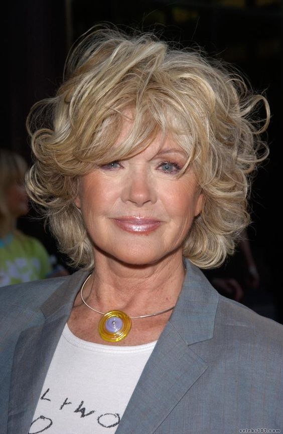 45 Celebrity Short Hairstyles Over 60 That Could Make One Look Fresher and Younger 6ab96ac14f813abbed7be45d20470588
