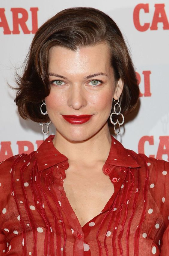 10 Awesome Celebrity Short Hairstyles Over 50 That You Could Try 9177fe77a573d7ada751e3d22ed8f197