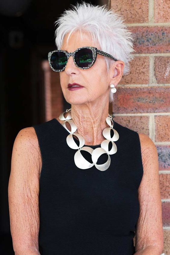30 Pixie Haircuts for Women Over 50 that You Should Check (Updated 2021) Edgy-pixie
