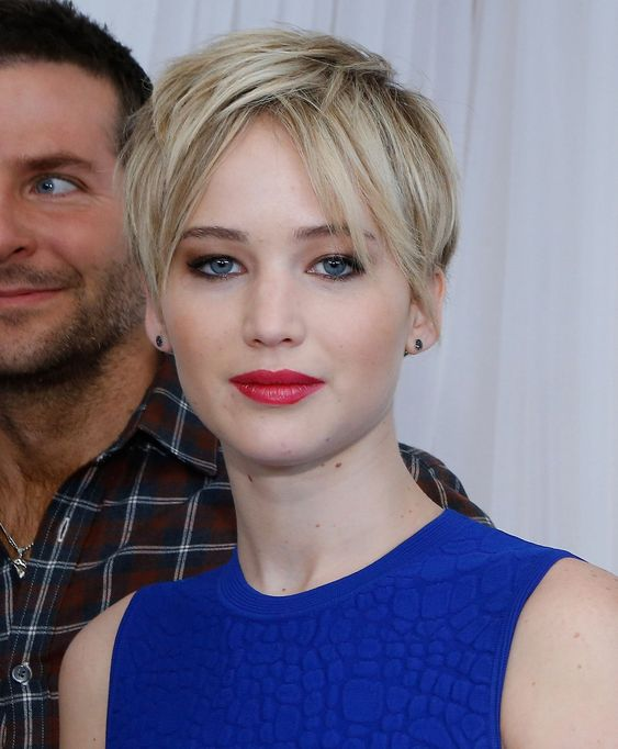 30 Pixie Haircuts for Women Over 50 that You Should Check (Updated 2021) Jennifer-Lawrence-pixie