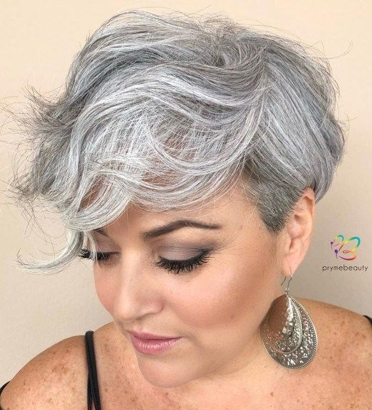 30 Pixie Haircuts for Women Over 50 that You Should Check (Updated 2021) Long-wavy-pixie