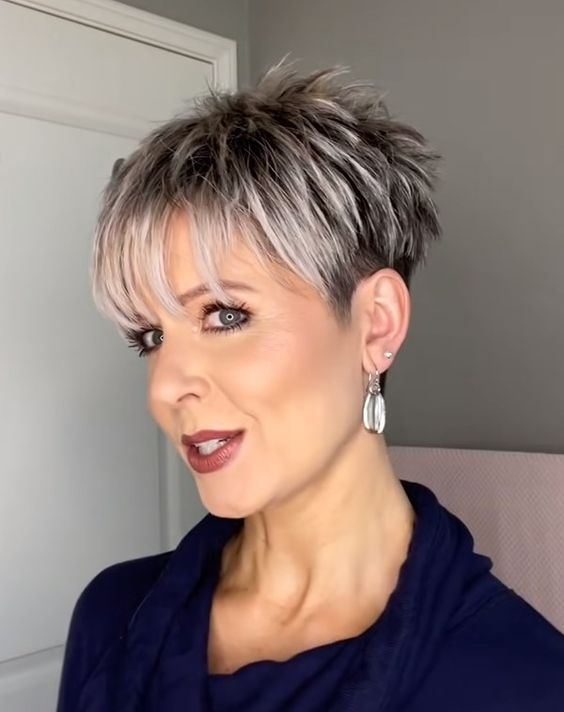 30 Pixie Haircuts for Women Over 50 that You Should Check (Updated 2021) Pixie-with-undercut