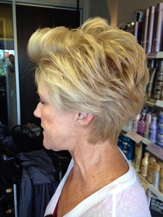 30 Pixie Haircuts for Women Over 50 that You Should Check (Updated 2021) Textured-pixie