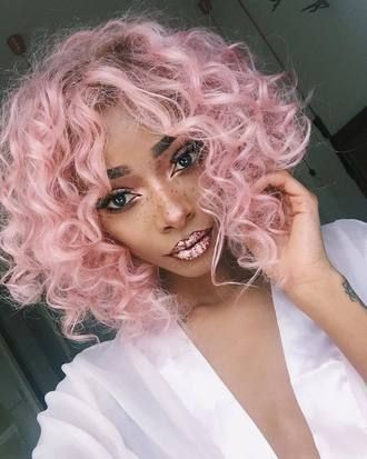 The Bright Pink Curls Style for Short Hair 3 d17b4cb66166ffdcc26c310cd4ebac13