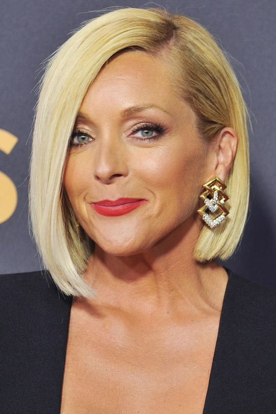 45 Short Haircuts for Women with Thinning Hair that Will Make You Look Fierce Yet Adorable
