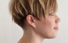 45 Wedge Haircuts for Women Over 50 for Those into Simple and Classic Appearance fee0c133b2c67dbdfa28c3a8b2e0b262-235x150