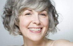 45 Short Hairstyles for Grey Hair and Glasses that Make Older Women Still Looking Stylish wavy_bob_with_bangs_with_the_gray_hair_1-235x150