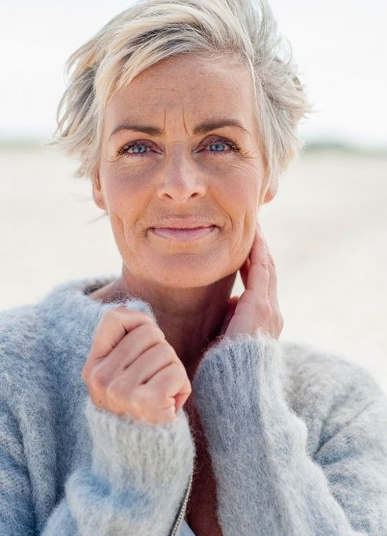 40 Short Layered Haircuts for Older Women that Help Make You Look One Decade Younger 09d9438a9945fd58e7664074c8051bc4