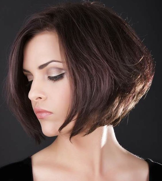 40 Stacked Hairstyles for Short Thin Hair Round Faces to Make You Look More Likeable 1b9a20703304d5c3270f3d09515d89e6