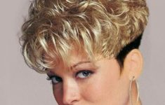 50 Beautiful Short Wedge Haircuts For Over 40 Women (Updated 2021) 20b92a6e5d2f77c2baae6a419ea9b447-235x150