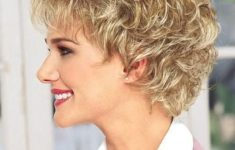 50 Best Pixie Haircuts For Women Over 40 21ca434cc4d3d882f17e7e909f428f12-235x150