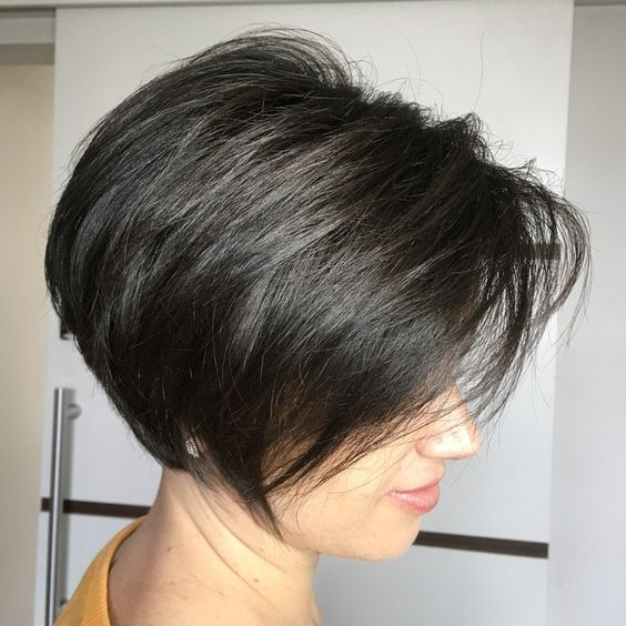 Feathered Stacked Bob Hairstyle 3