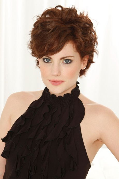 50 Best Pixie Haircuts For Women Over 40 66529c5fca698f70a4aed8709f95a5cb