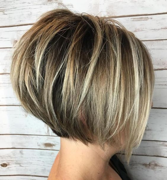 Feathered Stacked Bob Hairstyle 4
