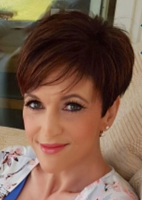 50 Best Pixie Haircuts For Women Over 40 8c99e1423253c033dcdb286deb9cf429