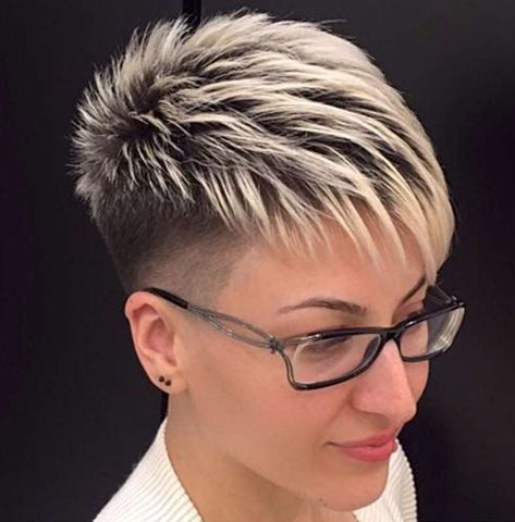 50 Top Short Sassy Haircuts for Women over 50 8d5d88c22b86ac7ce613eba8ef50487d