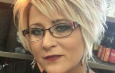 50 Best Pixie Haircuts For Women Over 40 953faf00e60627a256596d3d7607a538-235x150