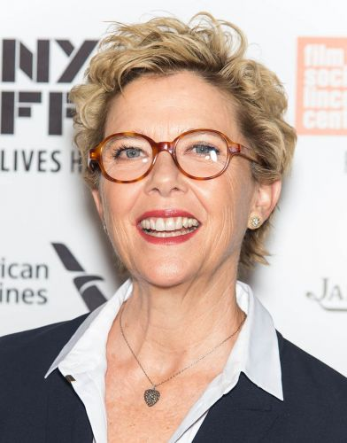 Messy Curls 4 Annette-Bening-short-shaggy-messy-blonde-curly-pixie-haircut-for-women-over-60