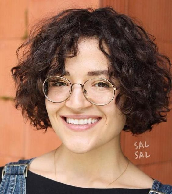 90 Gorgeous Short Curly Hairstyles for Women Over 50 (Updated 2021) Choppy-jaw-length-bob