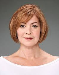 50 Gorgeous Wedge Haircuts for Women over 60 download-1