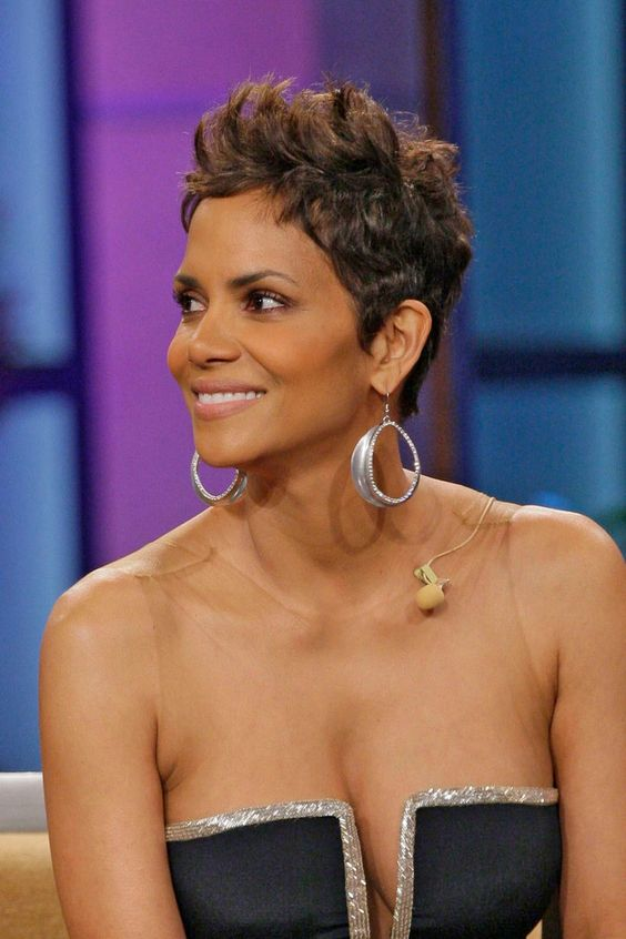 30 Inspiring Pixie Haircuts for Women Over 60 Years Old (Updated 2021) Halle-berry-pixie-haircut