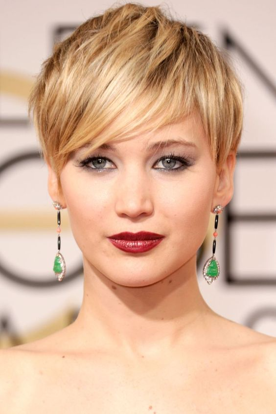 30 Inspiring Pixie Haircuts for Women Over 60 Years Old (Updated 2021) Jennifer-lawrence-pixie-cut