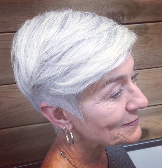 30 Inspiring Pixie Haircuts for Women Over 60 Years Old (Updated 2021) Retro-pixie