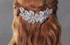 72 Most Beautiful Bridesmaid Hairstyles Ideas 06bdcc6501dca944bb6cc60f6421d814-235x150
