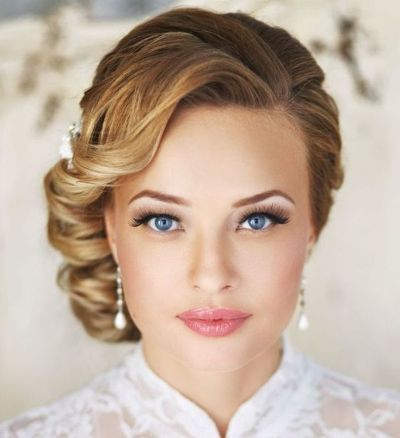 One Side Pinned Back Hairstyle for Wedding 4