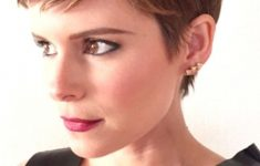 19 Trendy Short Brown Hairstyles that You Need to Check 4f9ae1bf02b8ff7ed1ece2bb560a5ef5-235x150