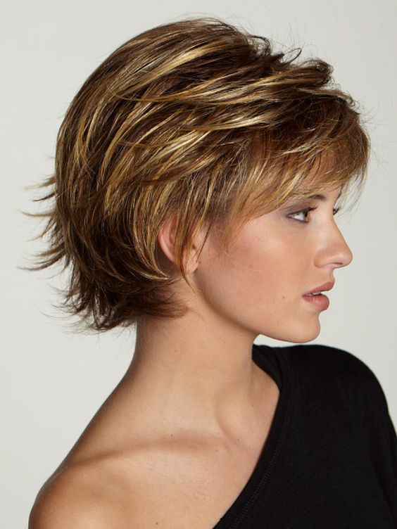 Layered Fine Hairstyle for Over 50 Women 3