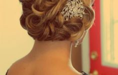 9 Most Beautiful Wedding Hairstyles for Short Hair 78259ba23556e7abb93df924871db60a-235x150