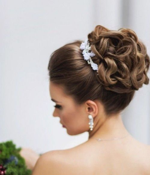 Top Knot Hairstyles for Bridesmaid 2