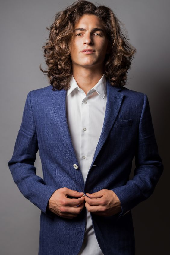 Beach Waves haircuts for men with thick hair 10