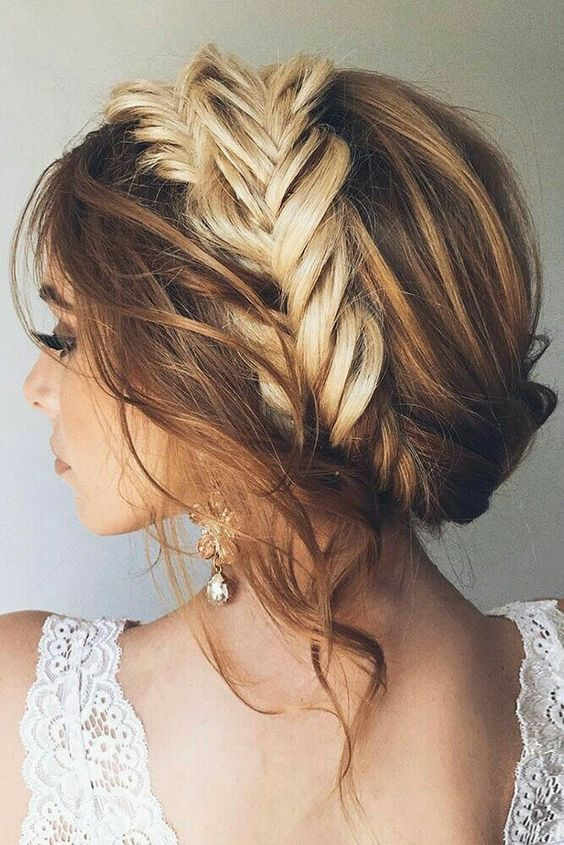 Boho Twis easy updos for short hair to do yourself 1