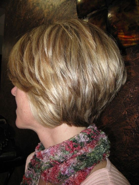 Layered Graduated Bob for Seniors with Thin Hair That Give Youthful Look 6 Layered-Graduated-Bob-for-Seniors-with-Thin-Hair-That-Give-Youthful-Look-6