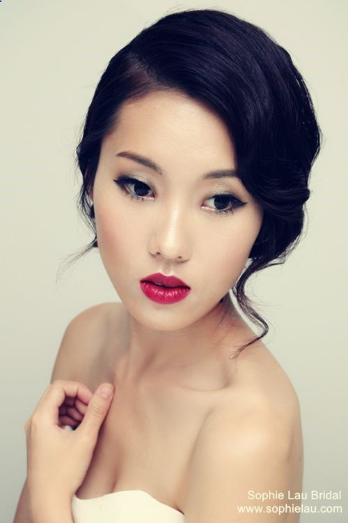 72 Cute and Chic Asian Hairstyles for Women Low-Bun-With-Side-Swept-Asian-Women-Hairstyles-1