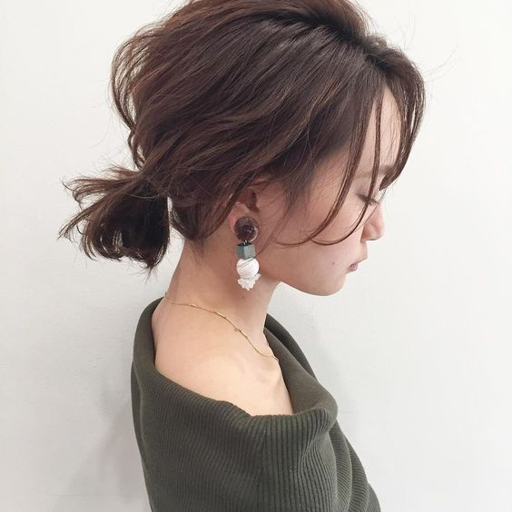 Low Ponytails easy updos for short hair to do yourself 6