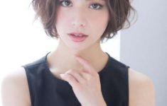 72 Cute and Chic Asian Hairstyles for Women Medium-Bob-With-Bangs-Asian-hairstyles-for-women-4-235x150