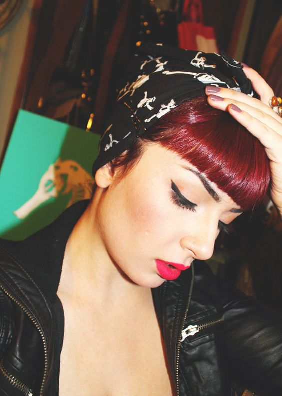 Rockabilly Bangs easy updos for short hair to do yourself 4