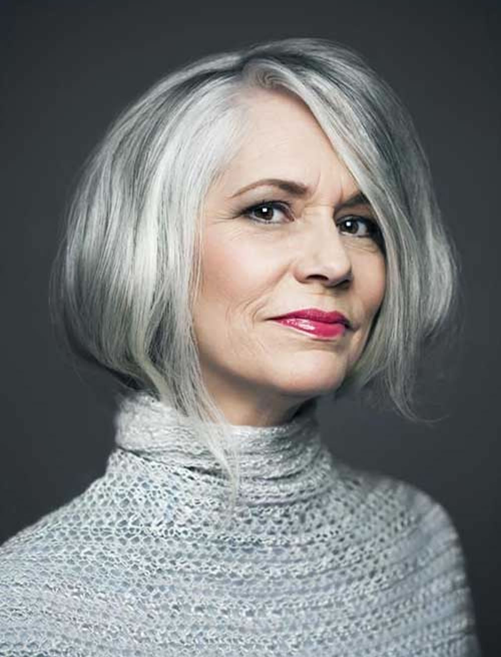 Short Bob Hairstyle for over 40 and Overweight Women 1