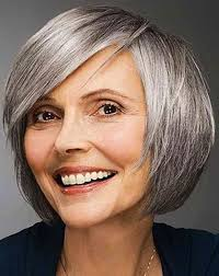 Short Bob Hairstyle for over 40 and Overweight Women 2