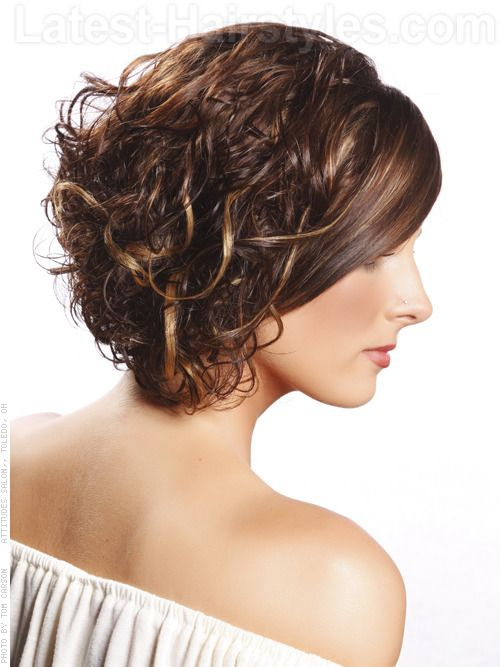 Short Curly with Side Swept Bangs Easiest Short Curly Hairstyles Ideas 3