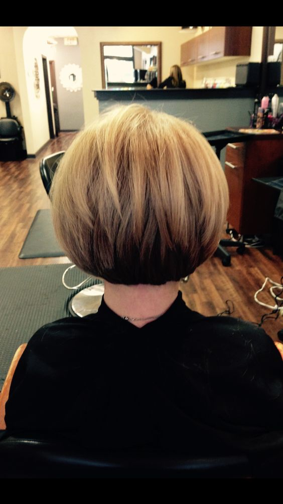 Short Wedge Bob for Seniors with Thin Hair That Give Youthful Look 2