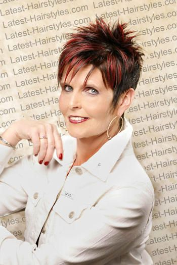 Spiky Hairstyle for over 40 and Overweight Women 5