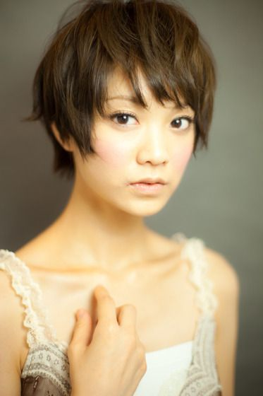 Textured Pixie With Bangs Asian Hairstyles For Women 3