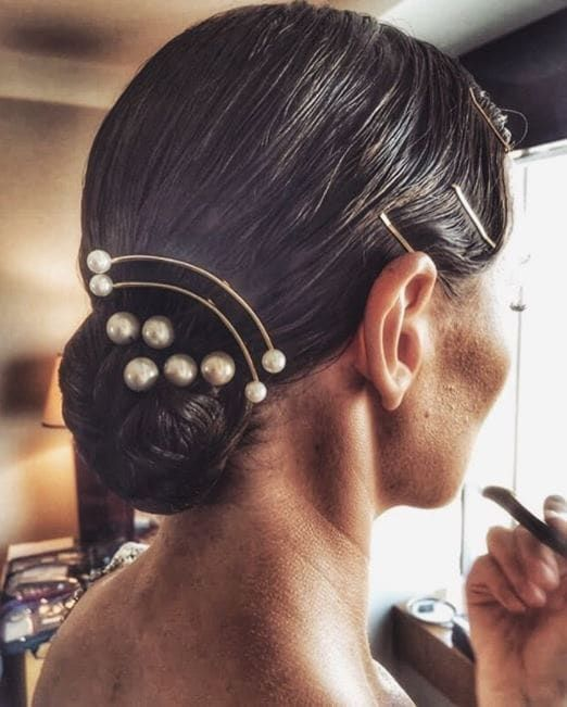 Up-Do Hairstyle With Sleek Accessories Easy Updos for Short Hair to do Yourself 3 Up-Do-Hairstyle-With-Sleek-Accessories-Easy-Updos-for-Short-Hair-to-do-Yourself-3